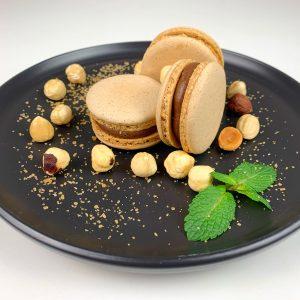 Makaroniki - Orzech laskowy i słony karmel